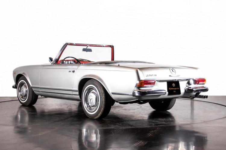 "1966 Mercedes-Benz 230 SL ""Pagoda"" 3"