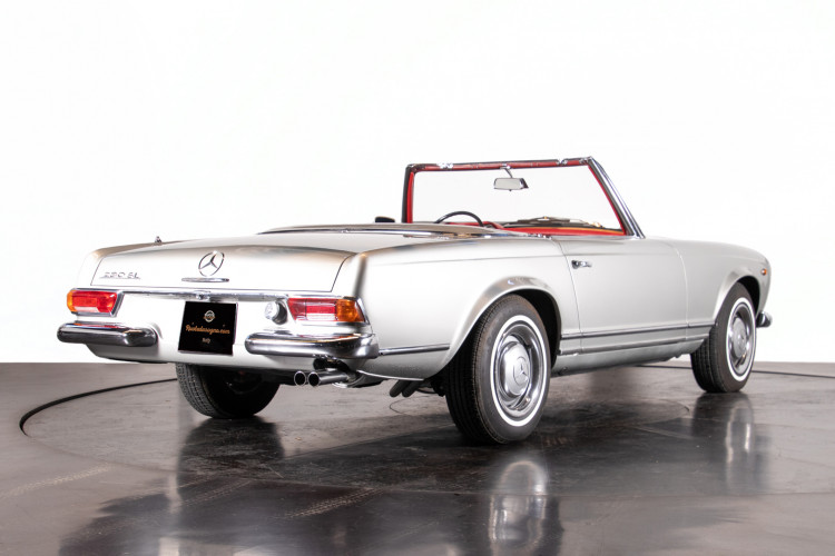 "1966 Mercedes-Benz 230 SL ""Pagoda"" 5"