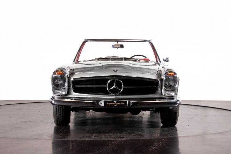 "1966 Mercedes-Benz 230 SL ""Pagoda"" 2"