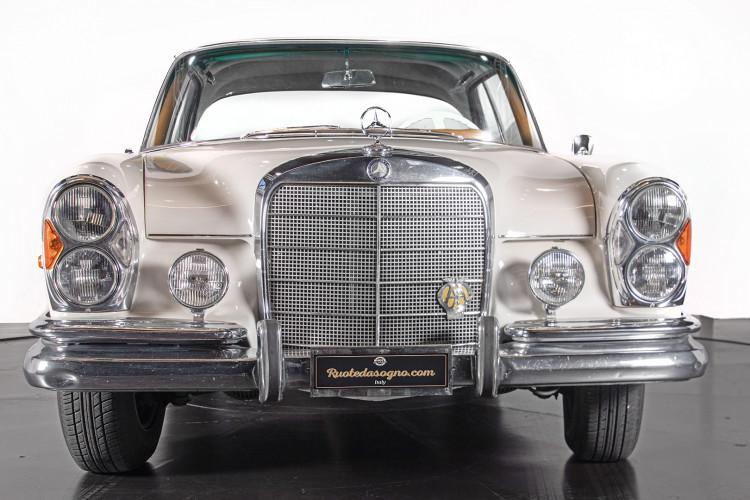 1963 Mercedes-Benz 220 SE 9
