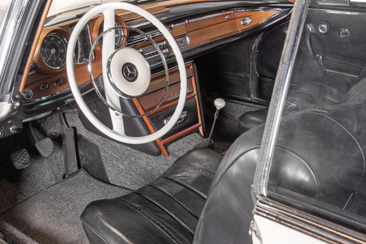 1963 Mercedes-Benz 220 SE 14