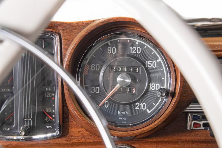 1963 Mercedes-Benz 220 SE 21