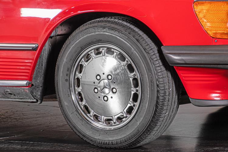 1985 Mercedes-Benz SL 560 8