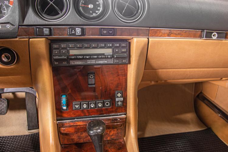 1985 Mercedes-Benz SL 560 40