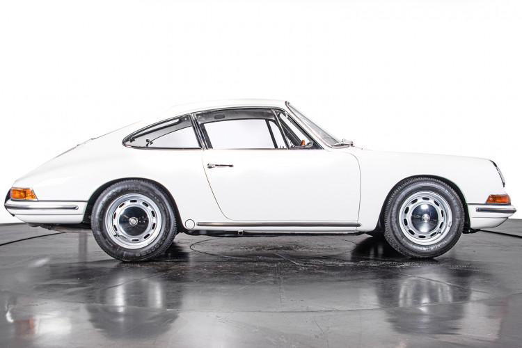 "1966 Porsche 911 2.0 L - S.W.B. ""Serie 0"" 5"