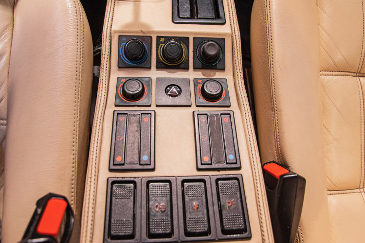 1986 Ferrari 328 GTS 43