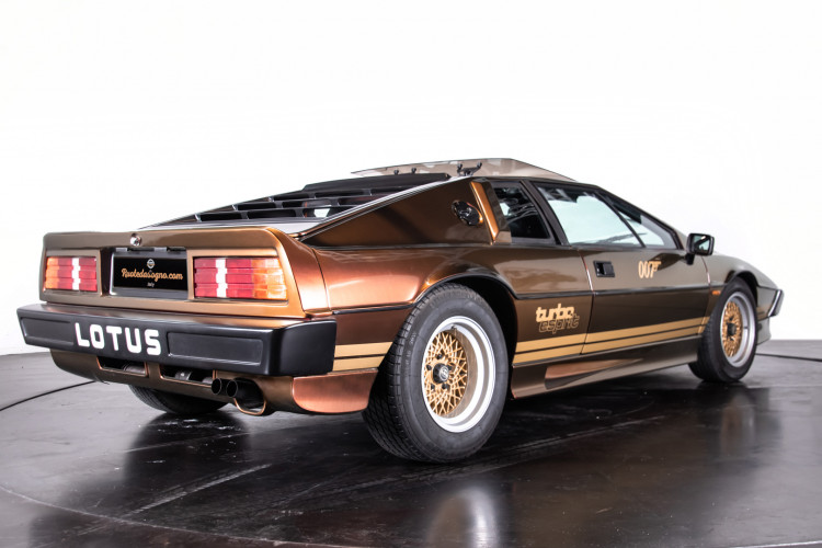 "1985 LOTUS ESPRIT TURBO - livrea ""007 For your eyes only"" 4"