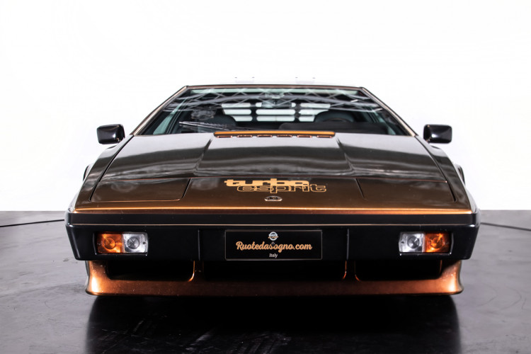 "1985 LOTUS ESPRIT TURBO - livrea ""007 For your eyes only"" 7"
