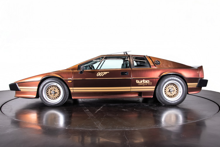 "1985 LOTUS ESPRIT TURBO - livrea ""007 For your eyes only"" 1"