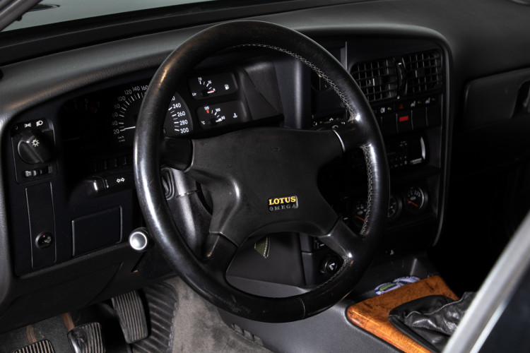 1991 Opel Omega Lotus 13