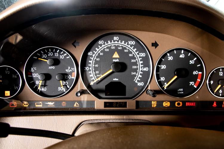 2000 Mercedes-Benz SL500 25
