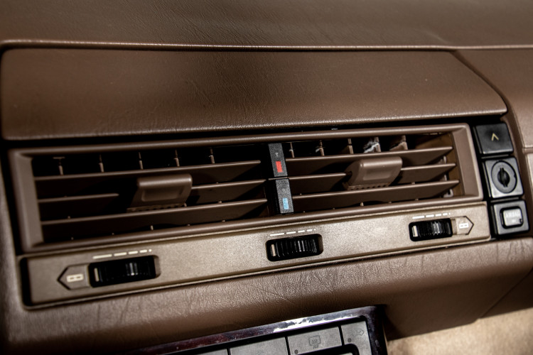 2000 Mercedes-Benz SL500 32