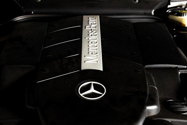 2000 Mercedes-Benz SL500 40