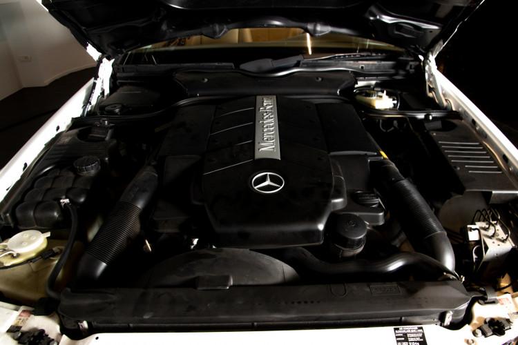 2000 Mercedes-Benz SL500 41