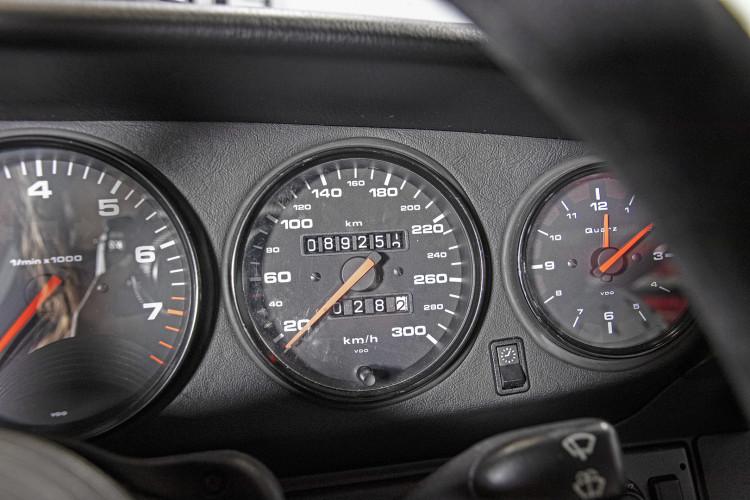 1995 PORSCHE 993 CARRERA RS CLUBSPORT 35