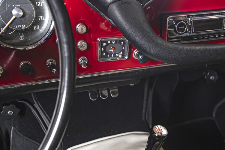 1964 MASERATI 3500 GTi 29