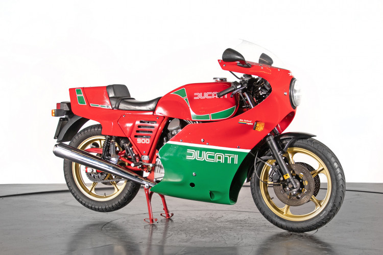1983 Ducati 900 MIKE HAILWOOD REPLICA 3