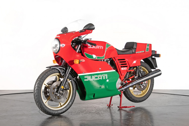 1983 Ducati 900 MIKE HAILWOOD REPLICA 1