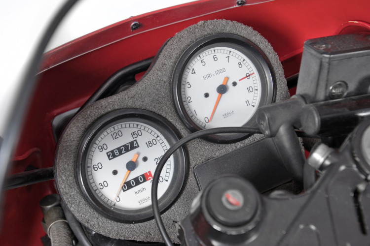 1990 Ducati 900 SuperSport 11