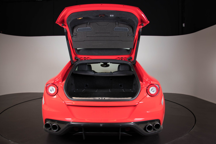 2014 Ferrari FF 27