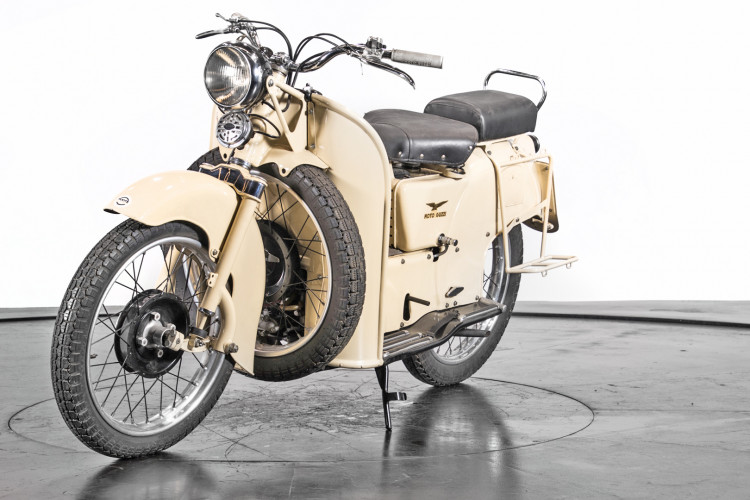 1951 Moto Guzzi Galletto 1