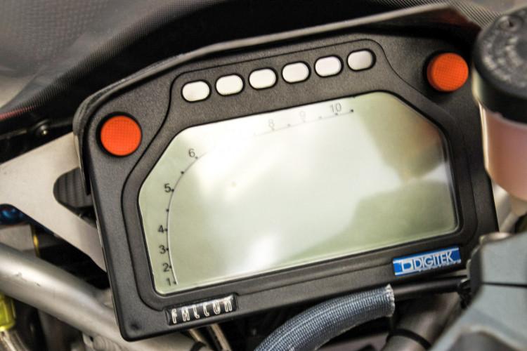2009 Moto Guzzi MGS-01 8