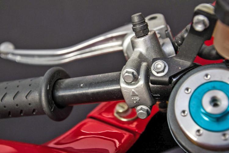 2009 Moto Guzzi MGS-01 5