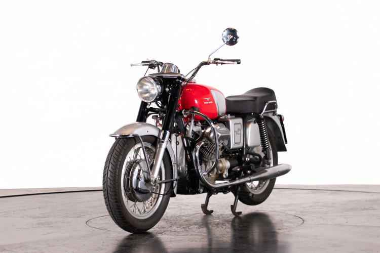 1969 MOTO GUZZI V7 VS 1