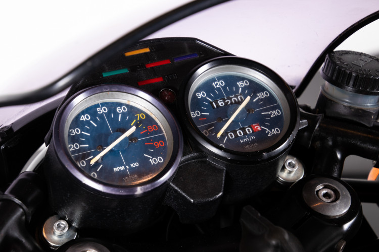 1977 Moto Guzzi 850 Le Mans 12