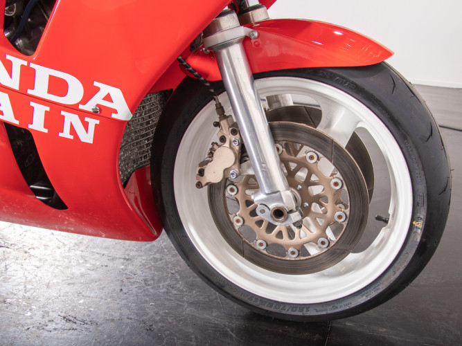1988 Honda RC 30 DA CORSA 24