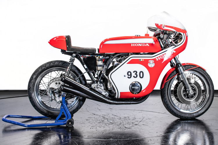 1973 Honda 750 Daytona Replica 1