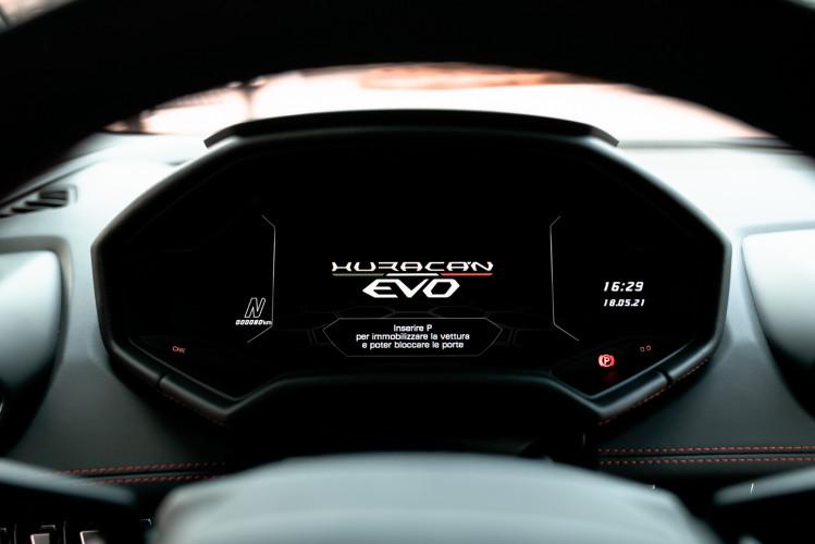 2021 Lamborghini Huracan EVO 32