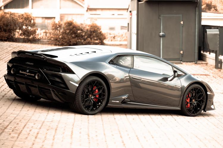 2021 Lamborghini Huracan EVO 10