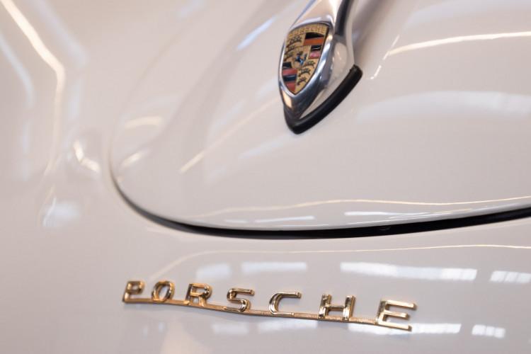1955 Porsche 356 pre-A Speedster 21