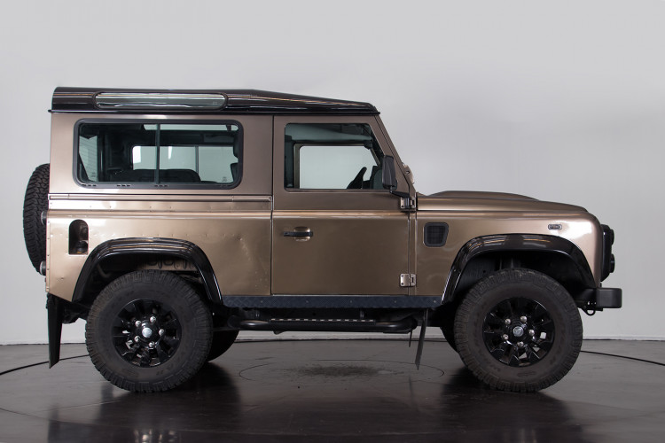 "2013 Land Rover DEFENDER ""limited edition"" 2"