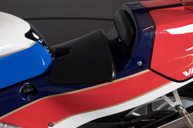 1992 Honda RC 30 6