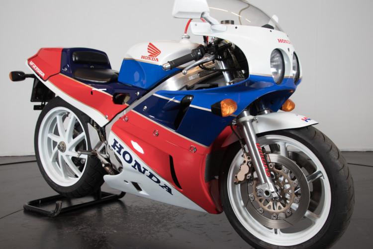 1992 Honda RC 30 1