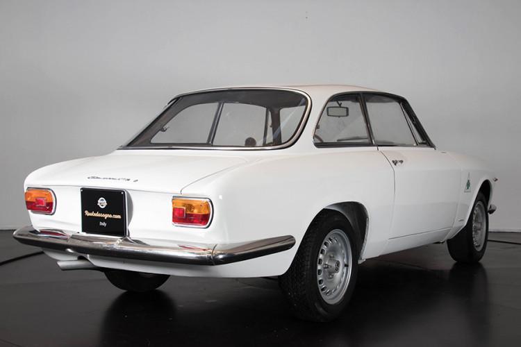 1967 Alfa Romeo GTA 1600 Stradale 7