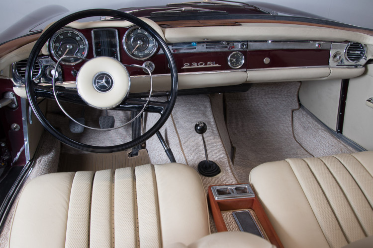 1963 Mercedes-Benz 230 SL 13