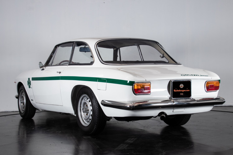 1969 Alfa Romeo GTA 1300 Junior 2