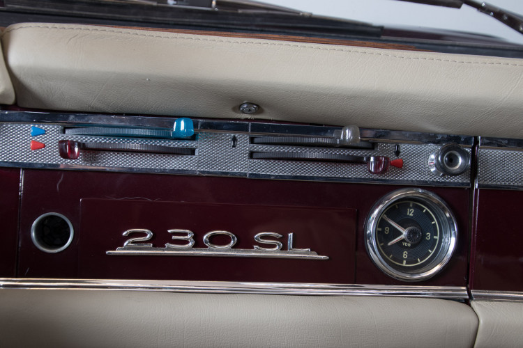 1963 Mercedes-Benz 230 SL 19