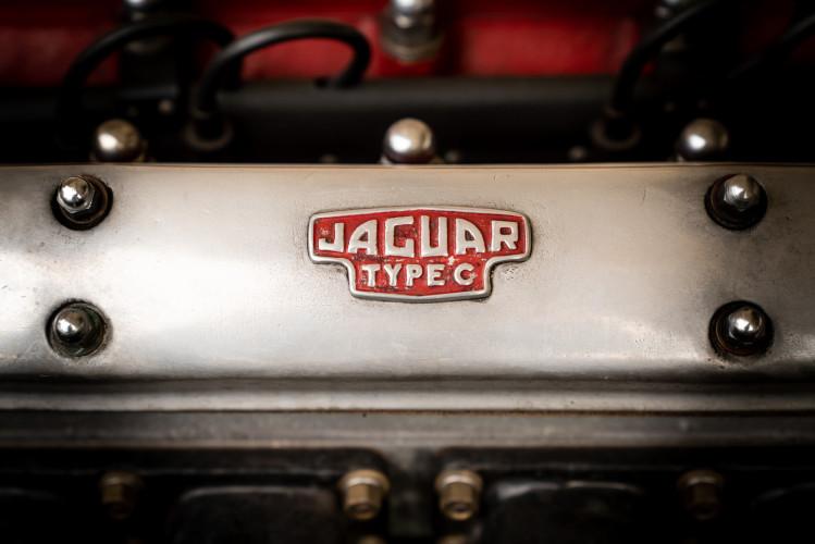1955 Jaguar XK140 FHC SE 31