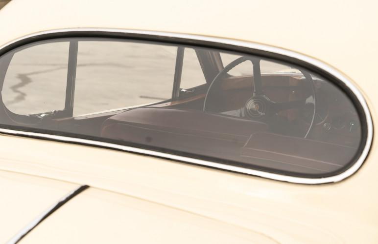 1955 Jaguar XK140 FHC SE 16