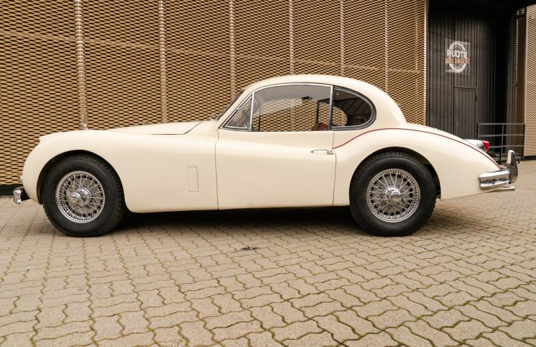 1955 Jaguar XK140 FHC SE 12