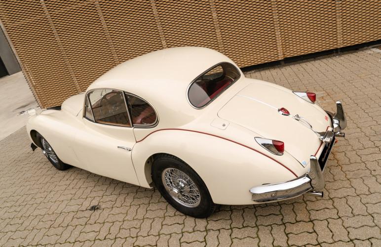 1955 Jaguar XK140 FHC SE 13
