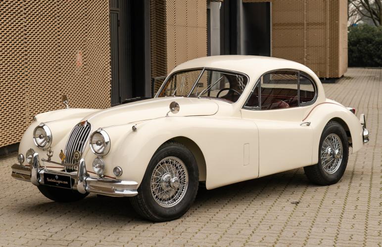 1955 Jaguar XK140 FHC SE 4