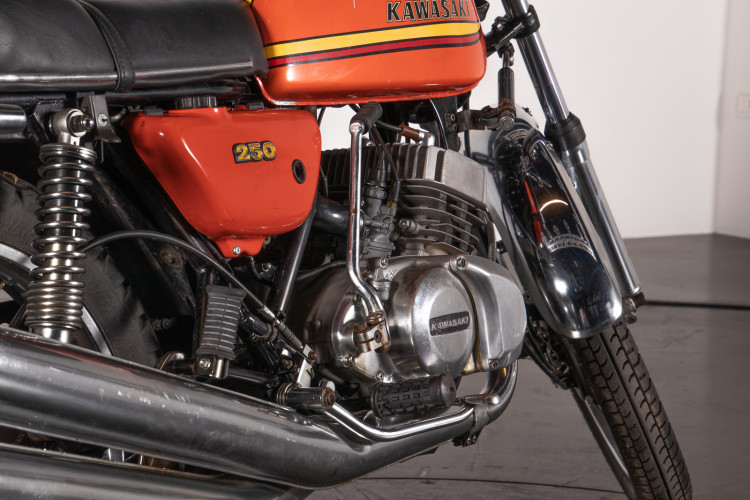 1972 Kawasaki 250 11