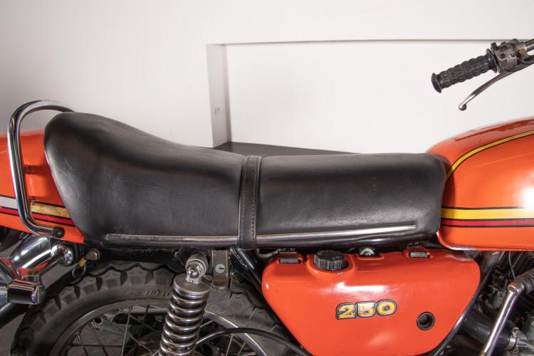 1972 Kawasaki 250 13