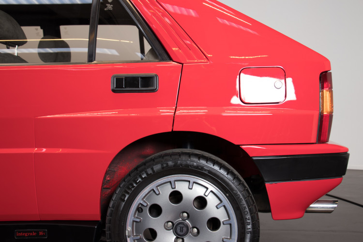 1989 Lancia Delta HF Integrale 16v 15