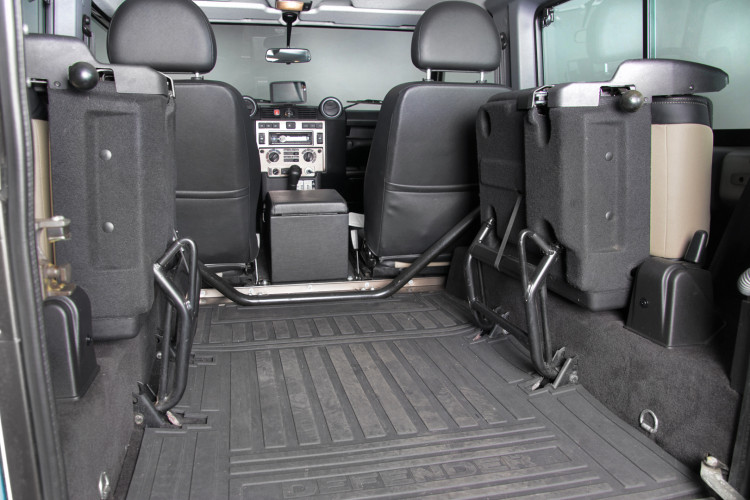 "2013 Land Rover DEFENDER ""limited edition"" 17"